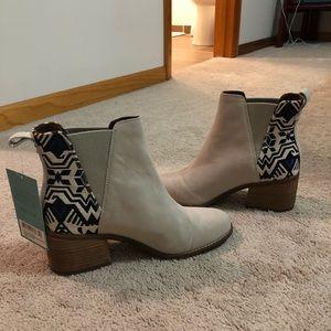 9570cdb0b Toms Shoes | Womens Esme Boots | Poshmark